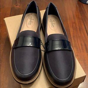 Clarks Raisie Arlie Navy Loafers NWT